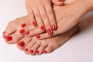 Offrir un soin des mains ou pieds